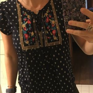 Beautiful colorful shirt in great condition